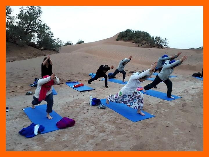 Yoga & Méditation & randonnée dans le secret du désert